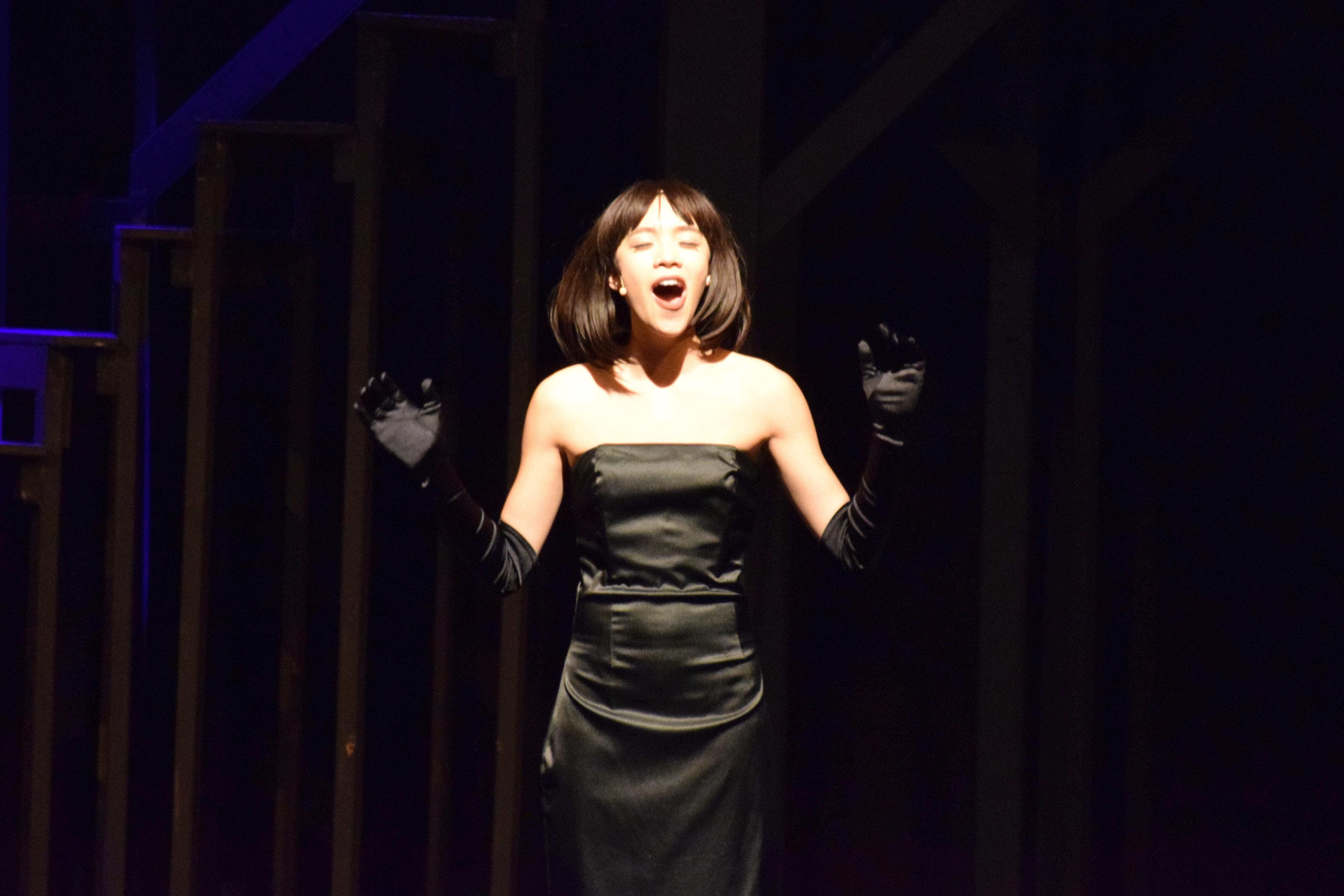 Millie sings