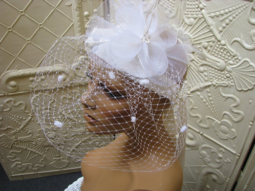 Small White Glamour Fascinator