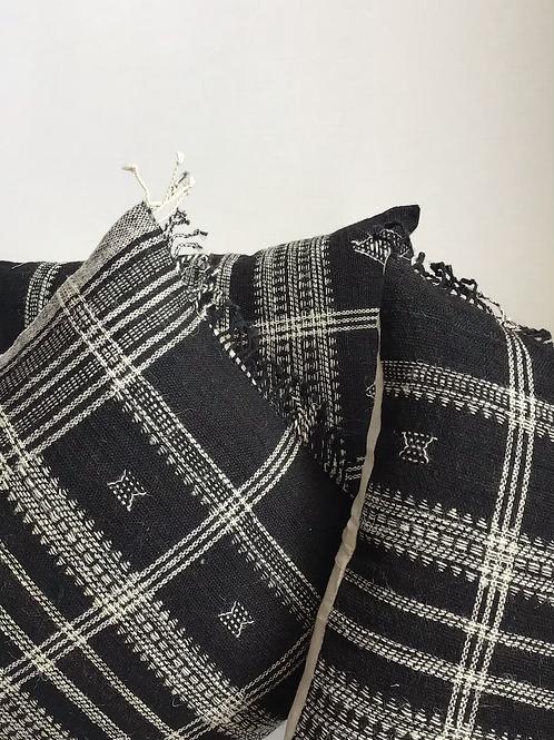 Chavin Pillow (Black)