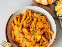 Cheezy Pumpkin Pasta in 10 minutes - Vegan