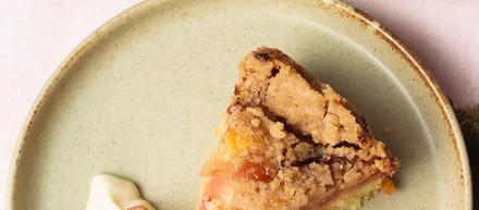Plum Crumble Cake (Vegan)