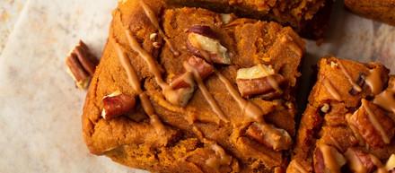 Protein Biscoff Pecan Blondies
