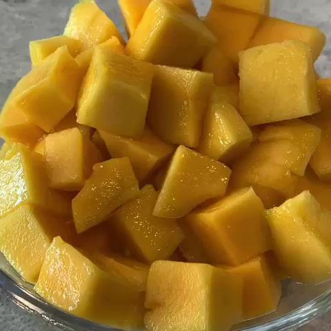 How to cut a mango!