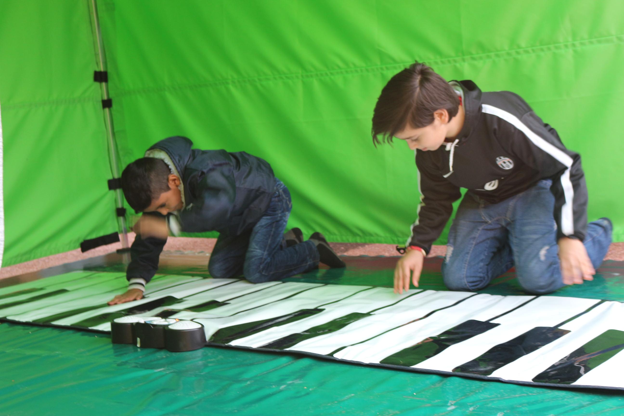 Jugando con nuestro piano de piso