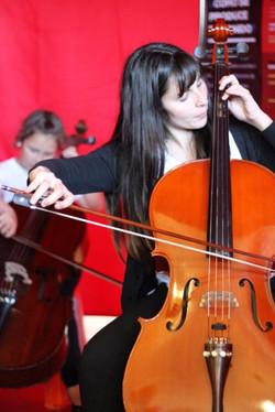 Probando un violonchelo