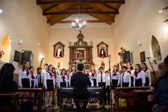 Coro_de_niños_en_Maimara.jpg