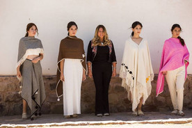 Desfile de moda andina.jpg