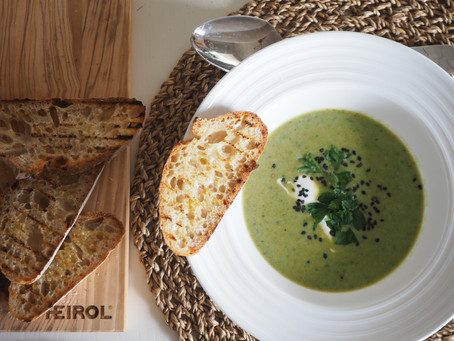 Super vihreä keitto ja bruschettaa
