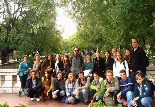estudiantes%20Beca_edited.jpg