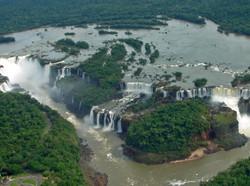 Foz_de_Iguaçu_26_Panorama_Nov_2005