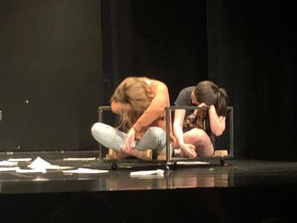 Grace and Jordyn Play a Dead Body