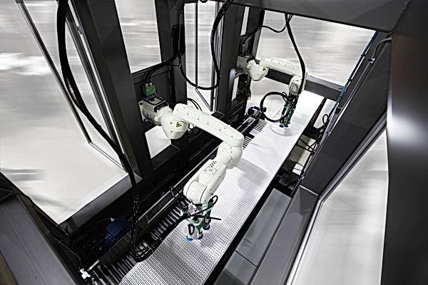Robotic Bag Packer Kawasaki - interior.j