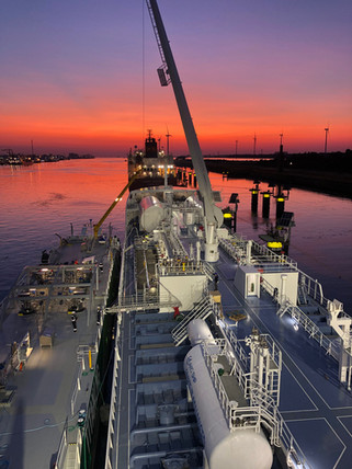 Bunkering LNG in sunset