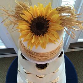 _Sunflower_ Wedding Cake & Cupcakes