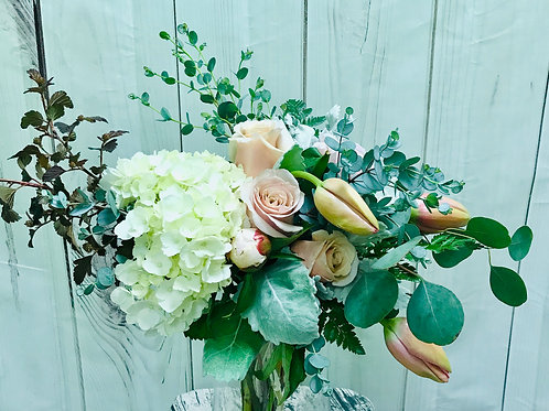 Peaches and Creams Bouquet
