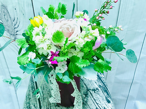 Light mix in a vase