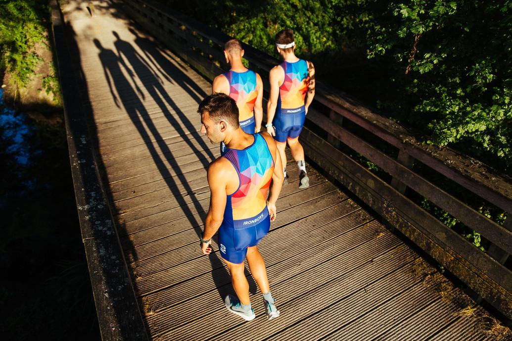 Iron Boys, Running