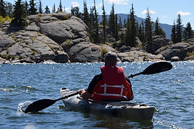 adventure-guy-kayak-1497585.jpg
