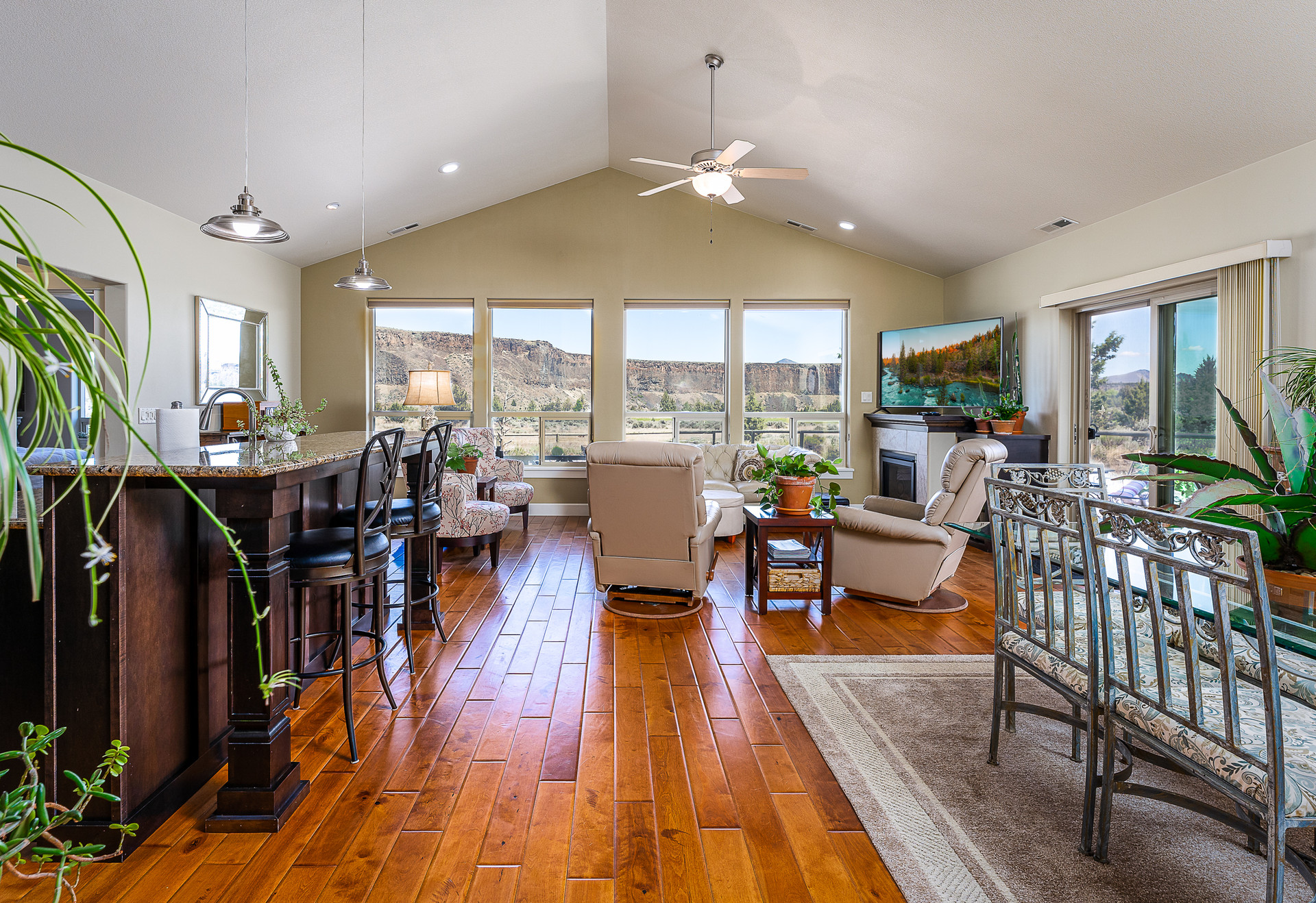 Redmond Oregon Real Estate Photography O