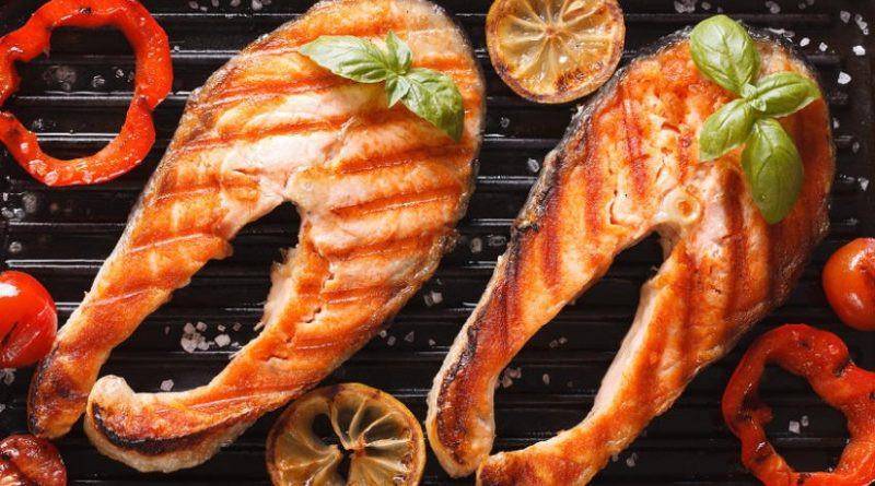 Рецепт стейк из форели на углях . Полезная еда. Полезное питание. Здоровая еда. Полезные рецепты