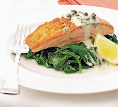 Простой рецепт семги со шпинатом в соусе тартар со пошаговым приготовлением и фото.