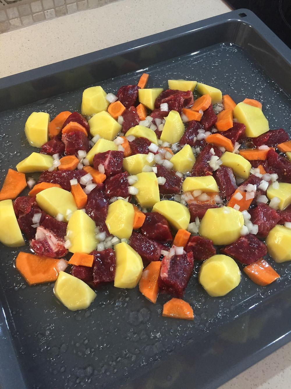 Рецепт тушеного мяса с овощами. Готовим дома сами