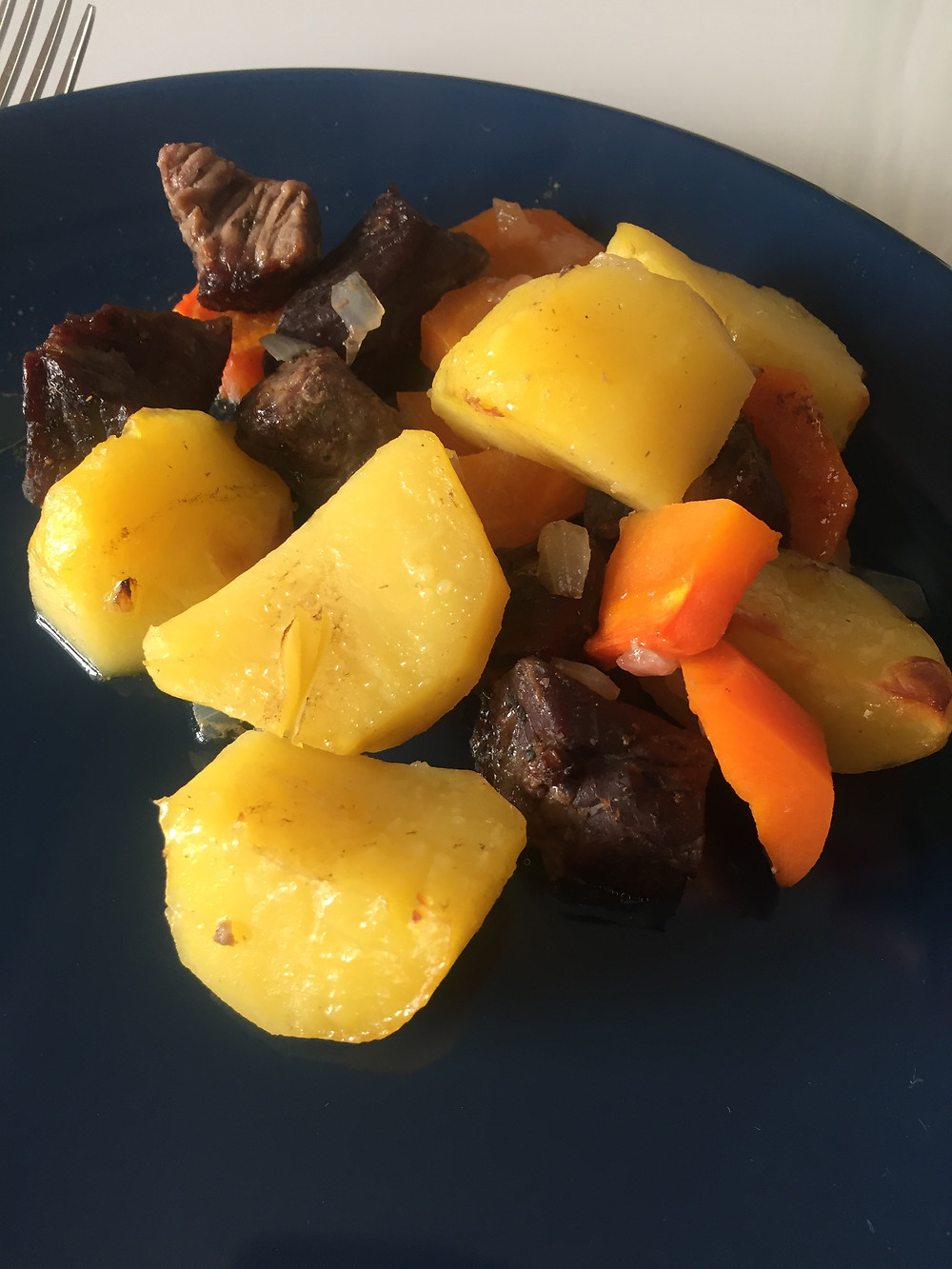 Рецепт вкусного тушеного мяса с овощами в духовке
