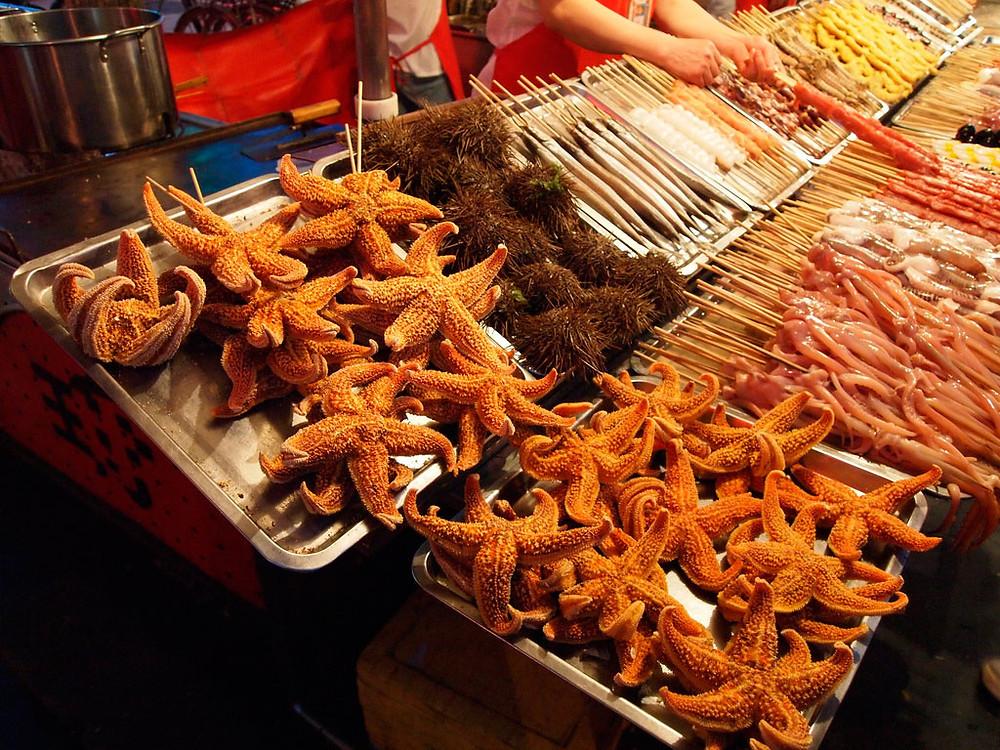 Уличная еда в Китае. китайская кухня. кухня мира. блюда мира