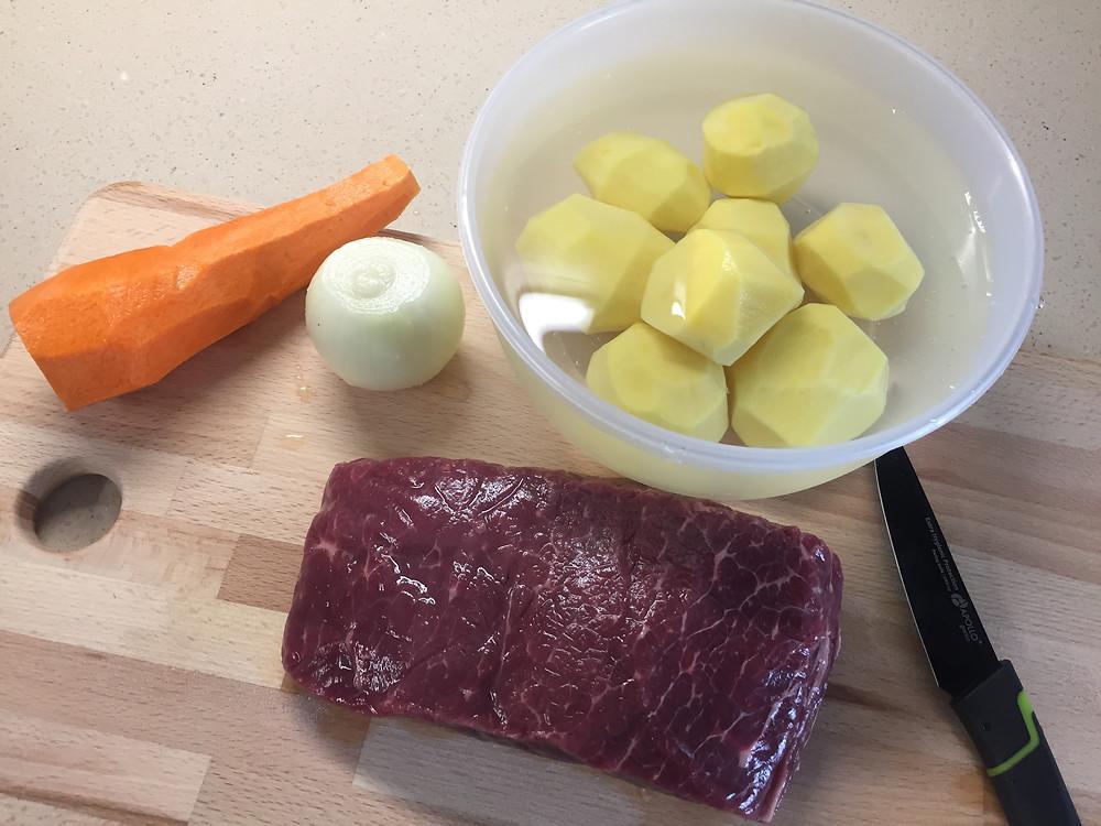 простой рецепт вкусного тушеного мяса с овощами