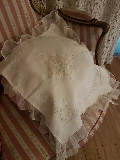 Élégant et raffiné couvre berceau en soie et voile