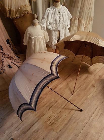 Ravissante ombrelle ancienne manche en bois