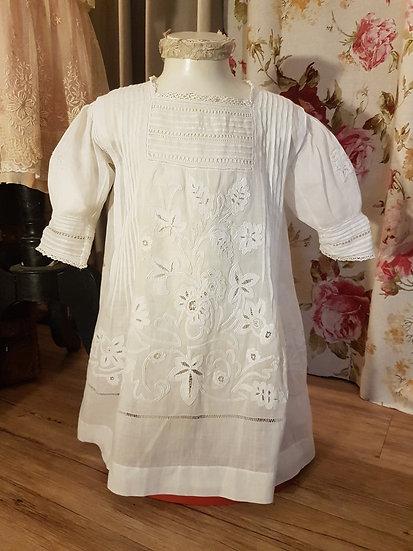 Ravissante petite robe de fillette en coton fin