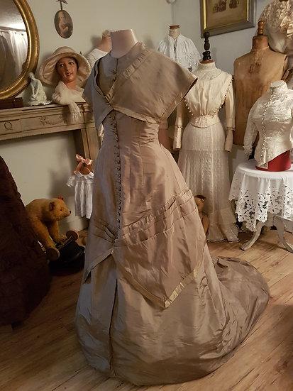 Ravissante Robe de soirée 1800/1900's et son couvre épaule