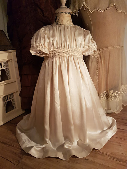 Superbe Robe de baptême ancienne et en soie