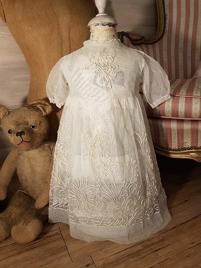 Ravissante Robe de Fillette brodée et sa doublure en soie