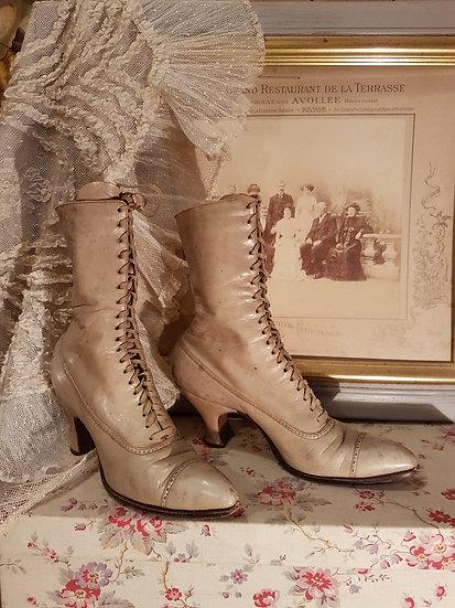Charmantes bottines 1900's en cuir et à lacets