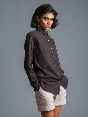 Classic Shirt. IRON BLACK. GOTS Organic Cotton; Hand Dyed w.Plant Dyes.