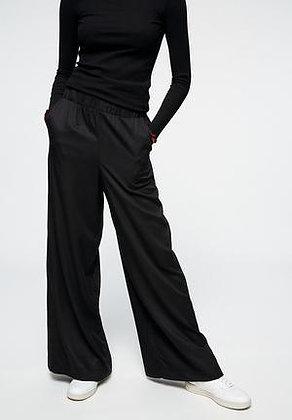 EOI 100% ECOVERO™ Jersey knit. 150gsm. BLACK. $12.50-15.50/m.