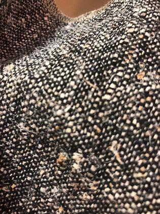 Nettle 60%, GOTS Organic Cotton 40%. Handloom. 340gsm. K9