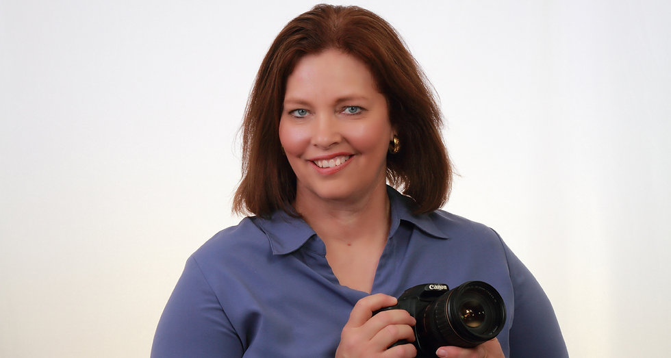 Photo of Renitta Long with Canon camera, Portraits by Renitta Photographer, Professional photographer of Decatur TX,  Wise County voted best Portrait Photographer 2016-2017, Wise County Voted Best Professional Portrait Photography Studio 2017-2018, Professional Photographer Selfie, Photo Professional, Visual Artist behind the Lens, Camera Adventurer