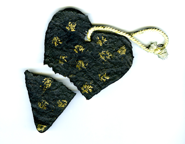 Coeur Noir Brisé