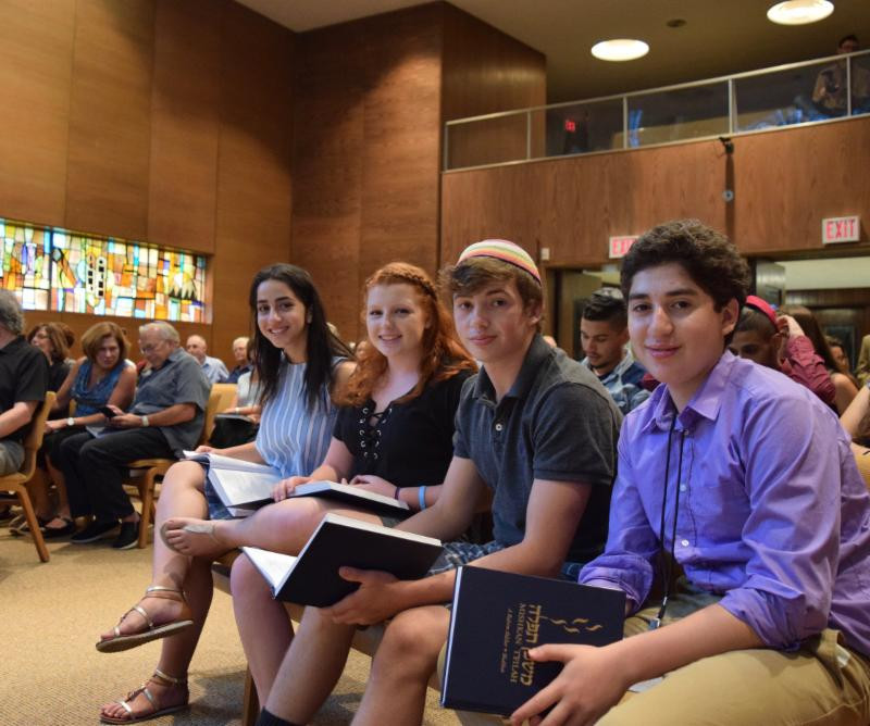 Celebrating Shabbat at Mishkan Israel