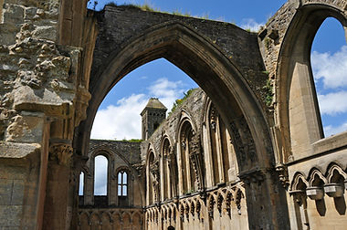 Glastonbury_Abbey_ruins_4.jpg