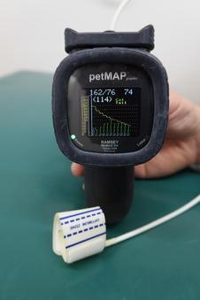 <血圧計>
