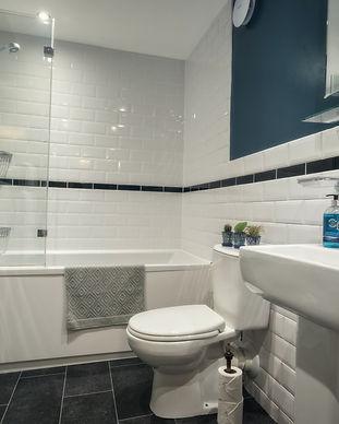 bathroom owl cottage teesdale.jpg