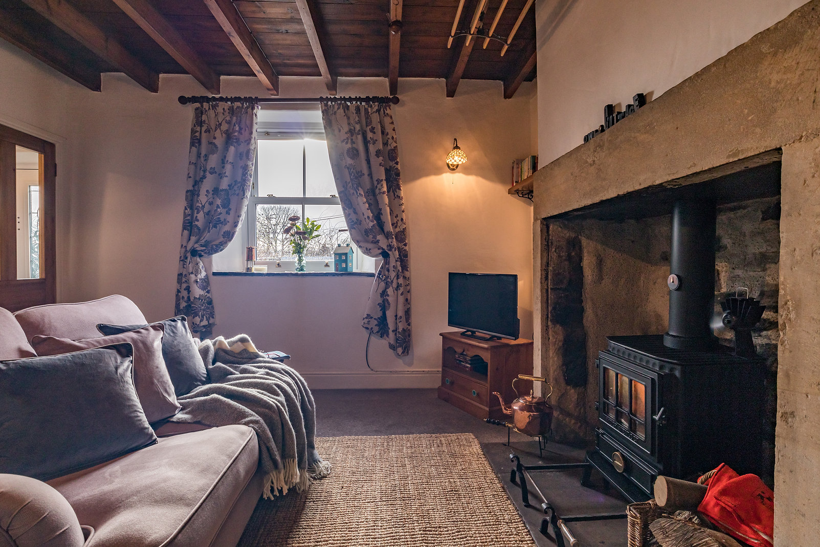 Cosy loung at Owl Cottage