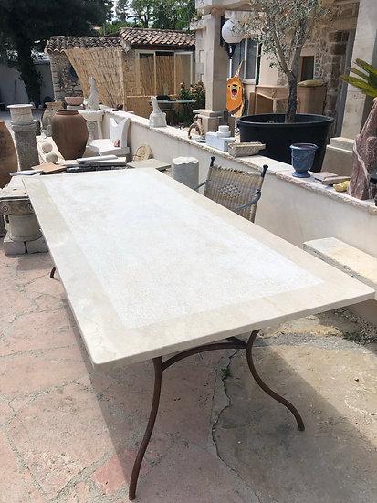 Table fer forgé et pierre