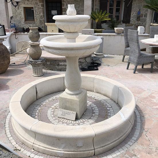 Fontaine en pierre D