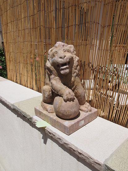 Statuette de lion en pierre de Bourgogne