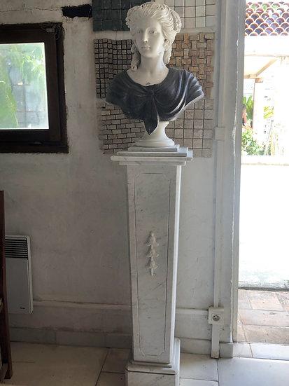 Buste en vieux marbre italien